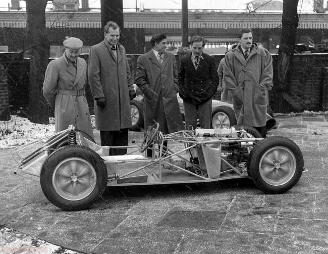 Chapman's Lotus 15 1959 –engine is still at the front